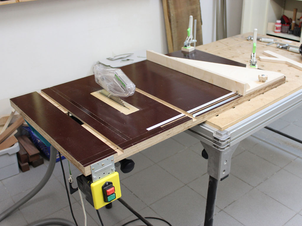 Как сделать распиловочный стол из ручной циркулярной пилы своими руками 50